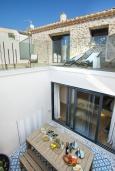 Терраса. Испания, Польенса : Роскошная вилла с бассейном, террасой, барбекю, видом на горы, 2 спальни, 2 ванные комнаты, Wi-Fi.