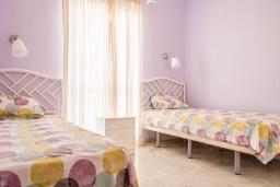 Спальня 2. Испания, Малага : Таунхаус в 100 метрах от пляжа в комплексе с бассейном, с гостиной, двумя спальнями, террасой и двумя балконами