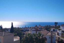 Вид на море. Испания, Марбелья : Студия в комплексе с бассейном и балконом с шикарным видом на море