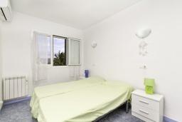 Спальня 2. Испания, Гандия : Таунхаус в комплексе с бассейном и в 100 метрах от пляжа, 2 спальни, 2 ванные комнаты, вид на море, парковка, Wi-Fi
