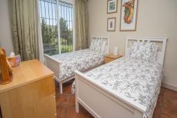 Спальня 2. Испания, Эстепона : - Вилла с 3 спальнями и обширной уединенной территорией с открытой гостиной зоной.