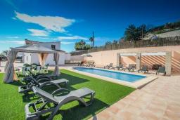 Территория. Испания, Аликанте : - Изысканная современная вилла с бассейном и террасой с барбекю, 5 спален, 2 ванные комнаты, парковка на 4 места, Wi-Fi