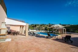 Бассейн. Испания, Аликанте : - Изысканная современная вилла с бассейном и террасой с барбекю, 5 спален, 2 ванные комнаты, парковка на 4 места, Wi-Fi