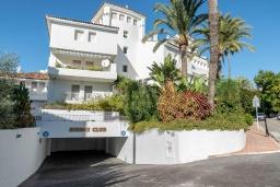 Вид. Испания, Марбелья : Прекрасная вилла с щедрыми террасами. Тихое место рядом с пляжем, шикарные интерьеры и прекрасная открытая площадка для барбекю ждут вас