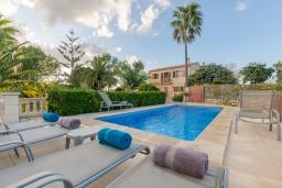 Бассейн. Испания, Кампанет : Очаровательный загородный дом с бассейном и садом с барбекю, 4 спальни, 2 ванные комнаты, парковка, Wi-Fi