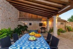 Летняя кухня. Испания, Кампанет : Очаровательный загородный дом с бассейном и садом с барбекю, 4 спальни, 2 ванные комнаты, парковка, Wi-Fi
