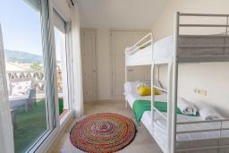 Спальня 3. Испания, Марбелья : Прекрасно расположенный дуплекс пентхаус с панорамным видом на море и горы