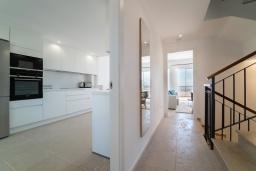 Коридор. Испания, Марбелья : Современный таунхаус с видом на Гибралтар, 3 спальни, 2 ванные, wi-fi, бесплатная парковка, бассейн и терраса