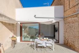 Фасад дома. Испания, Пальманова : Современная вилла с частным бассейном и террасой с барбекю, 3 спальни, 2 ванные комнаты, парковка, Wi-Fi