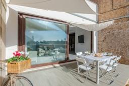 Территория. Испания, Пальманова : Современная вилла с частным бассейном и террасой с барбекю, 3 спальни, 2 ванные комнаты, парковка, Wi-Fi