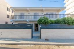 Вид на виллу/дом снаружи. Испания, Кан-Пикафорт : Современное шале в Кан Пикафорте рядом с пляжем и террасой, 3 спальни, 2 ванные комнаты, парковка, Wi-Fi