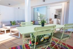 Терраса. Испания, Марбелья : Таунхаус недалеко от порта и пляжей Сотогранде, 3 спальни, 3 ванные комнаты, wi-Fi, бесплатная парковка, терраса на крыше