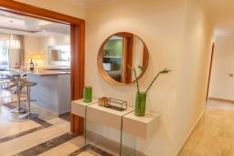 Коридор. Испания, Марбелья : Апартамент 160м2, 3 спальни, 3 ванные, огромная терраса в комплексе с бассейном