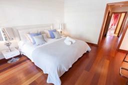 Спальня. Испания, Марбелья : Апартамент 160м2, 3 спальни, 3 ванные, огромная терраса в комплексе с бассейном