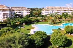 Вид. Испания, Марбелья : Хорошо расположен в семейном, но центральном районе, где есть отличные поля для гольфа, и всего в 15 минутах ходьбы от Пуэрто Банус.