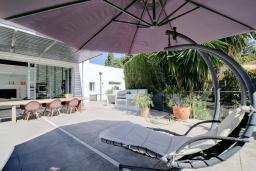 Патио. Испания, Марбелья : Потрясающая современная вилла с частным бассейном, 3 спальни, 4 ванные комнаты,бесплатная парковка