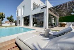 Бассейн. Испания, Марбелья : Потрясающая современная вилла с частным бассейном, 3 спальни, 4 ванные комнаты,бесплатная парковка