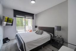 Спальня. Испания, Эстепона : Прекрасная семейная квартира в красивом закрытом комплексе, 3 спальни, 2 ванные комнаты,бассейн