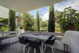 Терраса. Испания, Эстепона : Прекрасная семейная квартира в красивом закрытом комплексе, 3 спальни, 2 ванные комнаты,бассейн