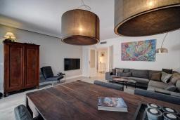 Гостиная / Столовая. Испания, Эстепона : Прекрасная семейная квартира в красивом закрытом комплексе, 3 спальни, 2 ванные комнаты,бассейн