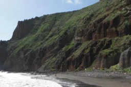 Пляж Лас-Гавиотас в Санта-Крус-де-Тенерифе