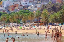 Пляж Лас-Тереситас в Санта-Крус-де-Тенерифе