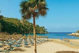 Пляж Камп-де-Мар в Магалуфе