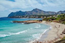 Пляж Сан-Хуан в Порт де Алькудии