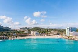 Пляж Сон-Моль в Порт де Алькудии