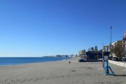 Пляж Карвахаль в Малаге