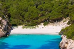 Пляж Кала-Макареллета в Менорке