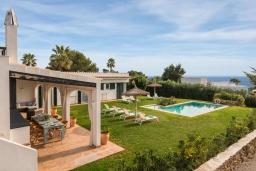 Вид. Испания, Менорка : Шикарная вилла с видом на море и сад, в двух шагах от песчаного пляжа, 3 спальни, wi-fi, частный бассейн, барбекю, парковка