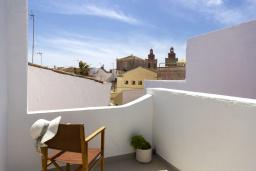 Терраса. Испания, Менорка : Дом в центре, идеален для прогулкам по улицам города, музеям, магазинам, 4 спальни, wi-fi