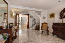 Лестница наверх. Испания, Менорка : Дом в центре, идеален для прогулкам по улицам города, музеям, магазинам, 4 спальни, wi-fi