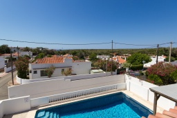 Бассейн. Испания, Менорка : Удобная и очень очаровательная вилла с частным бассейном, идеально подходящая для отдыха с хорошим барбекю для летних вечеров