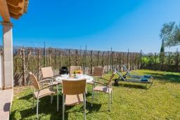 Развлечения и отдых на вилле. Испания, Кан-Пикафорт : Очаровательная вилла с собственным бассейном и садом, окруженная полями, в городе Са-Побла, Майорка-Норт