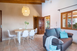 Студия (гостиная+кухня). Испания, Кан-Пикафорт : Очаровательная вилла с собственным бассейном и садом, окруженная полями, в городе Са-Побла, Майорка-Норт