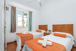 Спальня 2. Испания, Менорка : Апартаменты рядом с пляжем на первом этаже с общим басенном, 2 спальни для 4 гостей