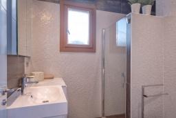 Ванная комната. Испания, Пуэрто Банус : Роскошный пентхаус на первой линии с панорамным видом на море в Марбелья, 1 спальня, ванная комната, 2 этажа, красиво, удобно,романтично!