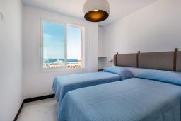Спальня 2. Испания, Пуэрто Банус : Роскошная 2-спальная квартира в аренду в Пуэрто Банус с видом на море и пристань для яхт, все удобства в квартире для хорошего отдыха