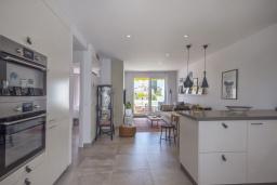 Кухня. Испания, Пуэрто Банус : Отличный дуплекс в 1 км от пляжа и Пуэрто Банус с бассейном и 4 террасами, 2 спальни, 2 ванные комнаты,