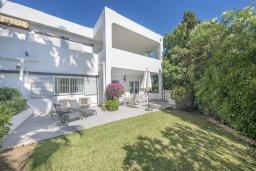 Вид на виллу/дом снаружи. Испания, Марбелья : Просторные апартаменты с 3 спальнями для отдыха семьей или с друзьями