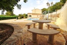 Беседка. Испания, Кальпе : Современная вилла расположенная в тихом месте в 5 минутах езды от пляжа, 4 спальни, 2 ванные комнаты, wi-fi, парковка