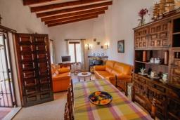 Обеденная зона. Испания, Мораира :  - Очаровательная вилла с видом на море и частным бассейном, 3 спальни, 2 ванные комнаты, парковка, WIFI