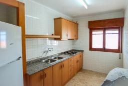 Кухня. Испания, Кальпе : Традиционная испанская вилла расположенная в тихом месте с прекрасным видом на море на побережье Кальпе, 5 спален, 2 ванные комнаты, частный бассейн