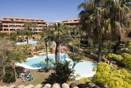 Территория. Испания, Малага : Чудесные апартаменты, имеют захватывающий вид на море и горы. Имеют 7 плюшевых кроватей в 4 разных светлых спальнях с широкими частными террасами.