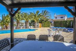 Беседка. Испания, Мораира : Комфортабельная вилла для отдыха в нескольких минутах ходьбы от прекрасного морского курорта Морайра, 4 спальни, 3 ванные комнаты, частный бассейн, WIFI, парковка