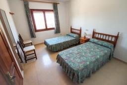 Спальня 3. Испания, Кальпе : Просторная вилла с шикарным бассейном, в красивом месте, в распоряжении гостей 4 спальни, 2 ванные комнаты, все удобства