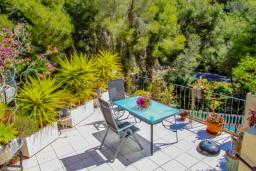 Терраса. Испания, Бенисса : Замечательный дом для отдыха, с хорошей мебелью, расположен на вершине холма, 2 спальни, ванная комната, частный басейн