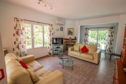 Гостиная / Столовая. Испания, Мораира : Прекрасная вилла для комфортного отдыха в тихом спокойном месте, в 5 минутах от центра Морайры
